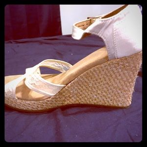 Toms white lace espadrille wedges